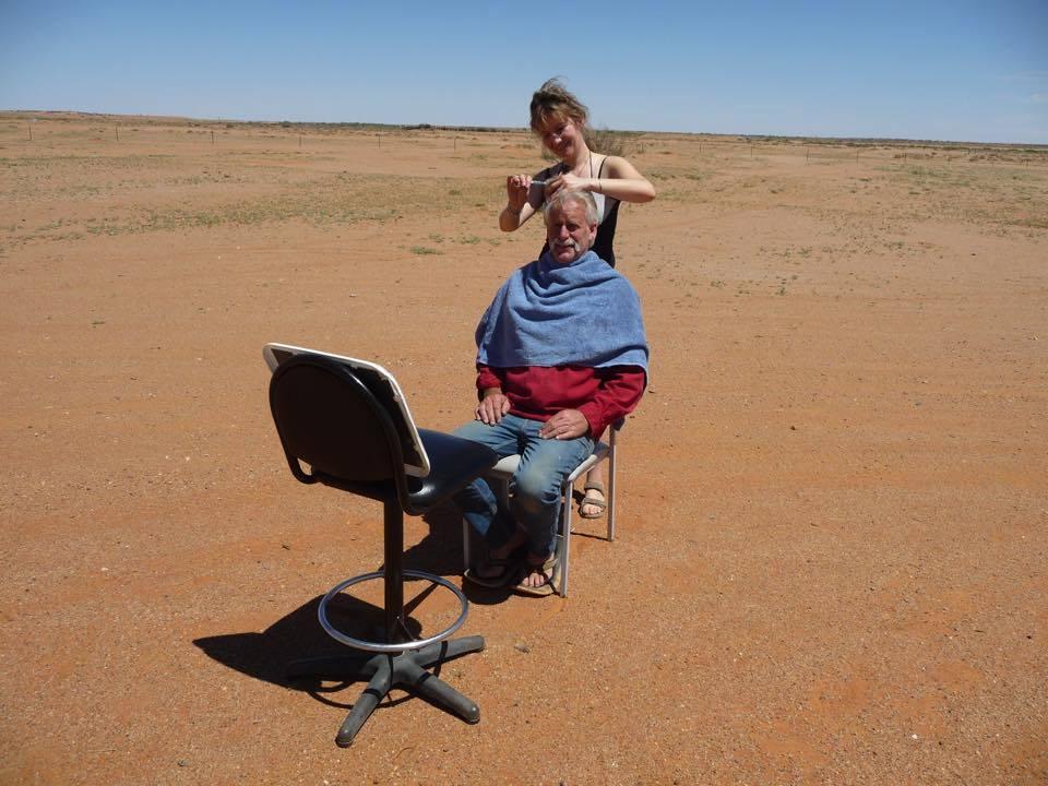 a domicile, australie, fauteuil, miroir, homme, vacances