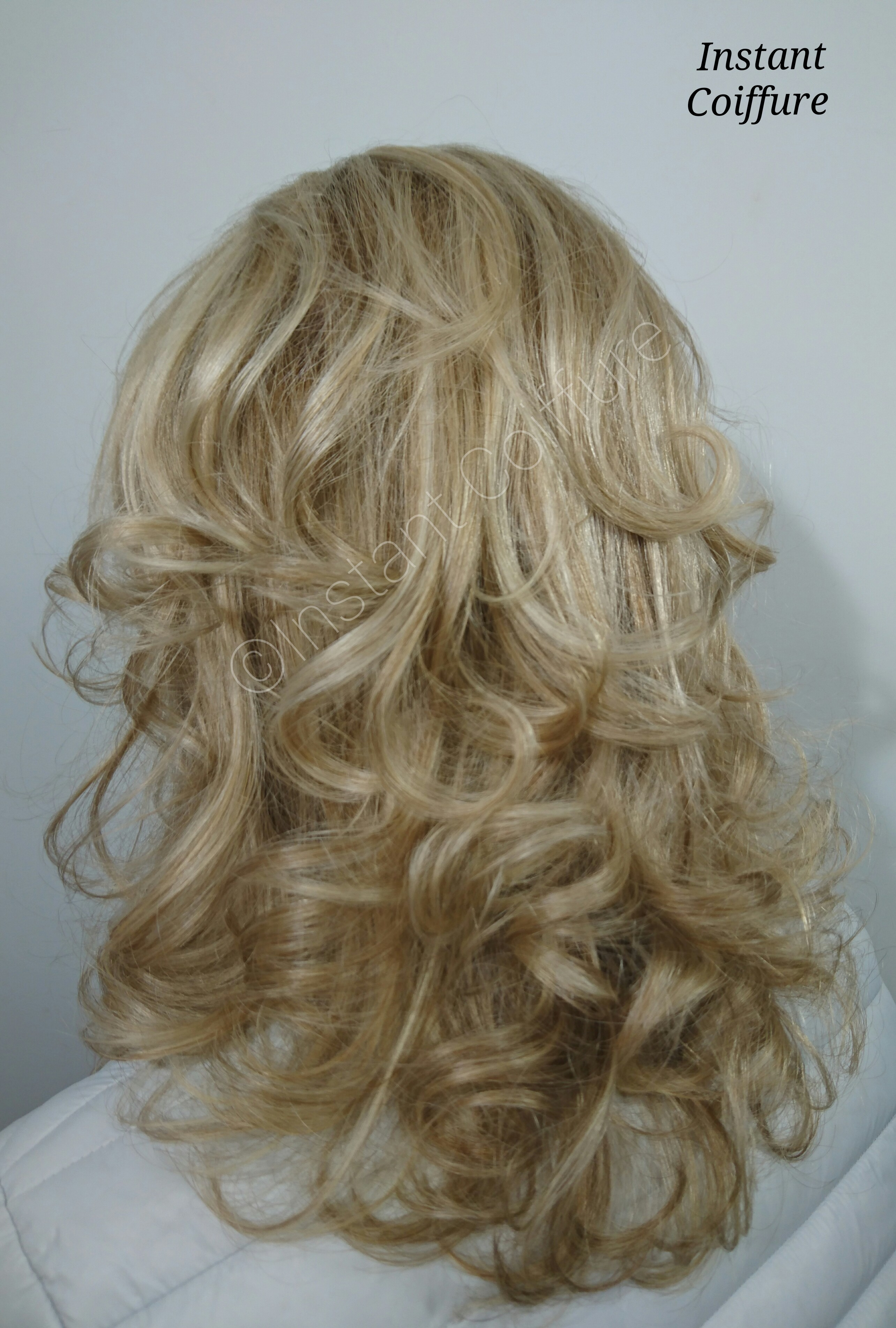 Blond bebe Instant Coiffure